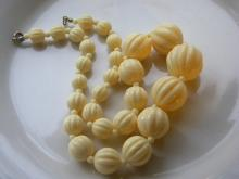 CHINESE MELON BEAD NECKLACE