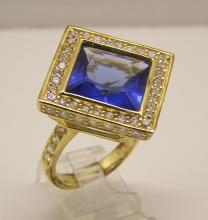LVC 18k over sterling silver white & blue Cz cocktail