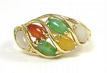 MULTI-COLOR JADE AND YELLOW GOLD RING. The 14k