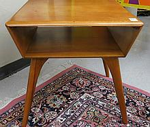 MID-CENTURY MODERN MAPLE LAMP TABLE, Heywood-Wakef