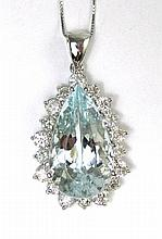 AQUAMARINE AND FOURTEEN KARAT WHITE GOLD NECKLACE,