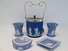 FIVE PIECES BLUE WEDGWOOD JASPERWARE including a d