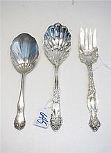 THREE STERLING SILVER FLATWARE SERVING PIECES, 1 R