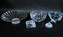 FIVE PIECES OF CRYSTAL AND GLASS TABLE AND DECORAT