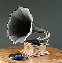 VICTOR 1 DISC PHONOGRAPH, Victor Talking Machine
