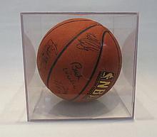 NBA BASKETBALL SIGNED BY PORTLAND TRAIL BLAZERS, f