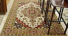 HAND KNOTTED ORIENTAL CARPET, Indo-Heriz, stylized