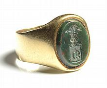 BLOODSTONE AND FOURTEEN KARAT GOLD RING, featuring