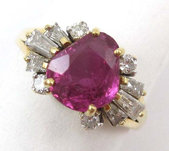 DIAMOND, PINK SAPPHIRE AND 18K GOLD RING
