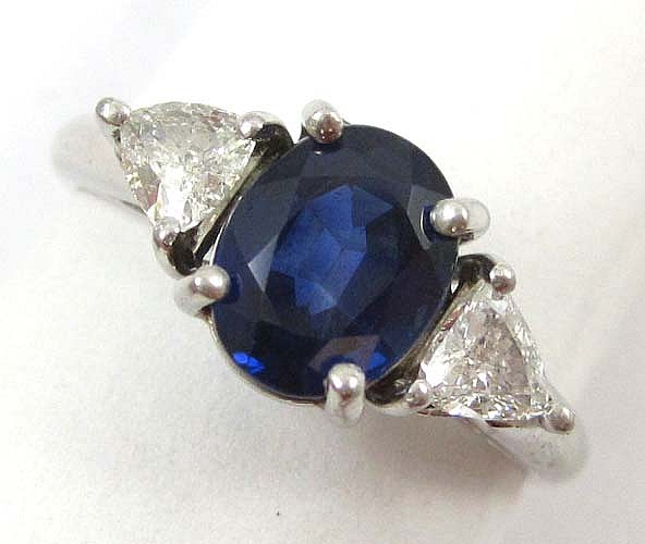 DIAMOND, BLUE SAPPHIRE AND PLATINUM ESTATE RING,