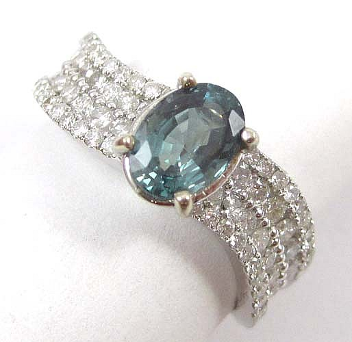 DIAMOND, GREEN ALEXANDRITE AND 14K WHITE GOLD RING