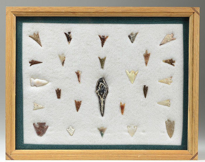 NATIVE AMERICAN INDIAN HUNTING POINTS,(some gem)