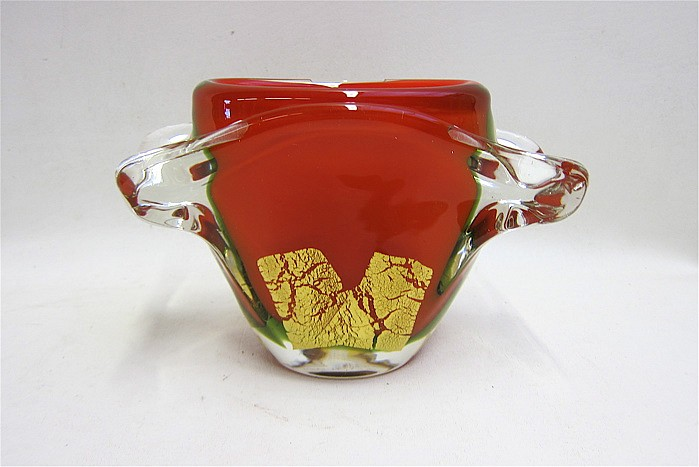 MURANO RED HEAVY CASED GLASS ART VASE having gilt