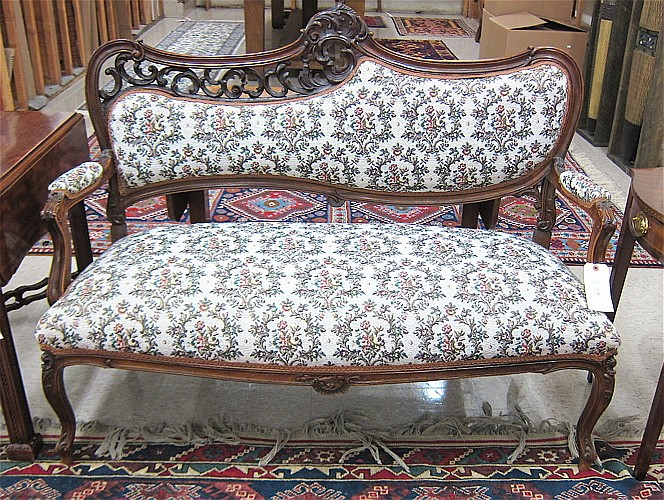LOUIS XV STYLE MAHOGANY SETTEE, French, c. 1900,