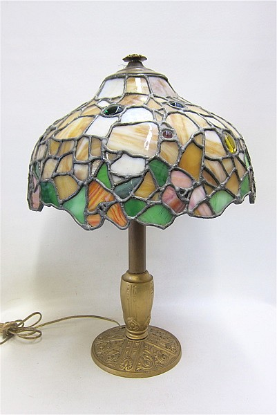 LEAD GLASS TABLE LAMP having a tapering dome