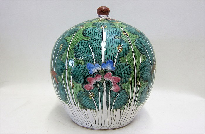 CHINESE POTTERY JAR, hand enameled cabbage and