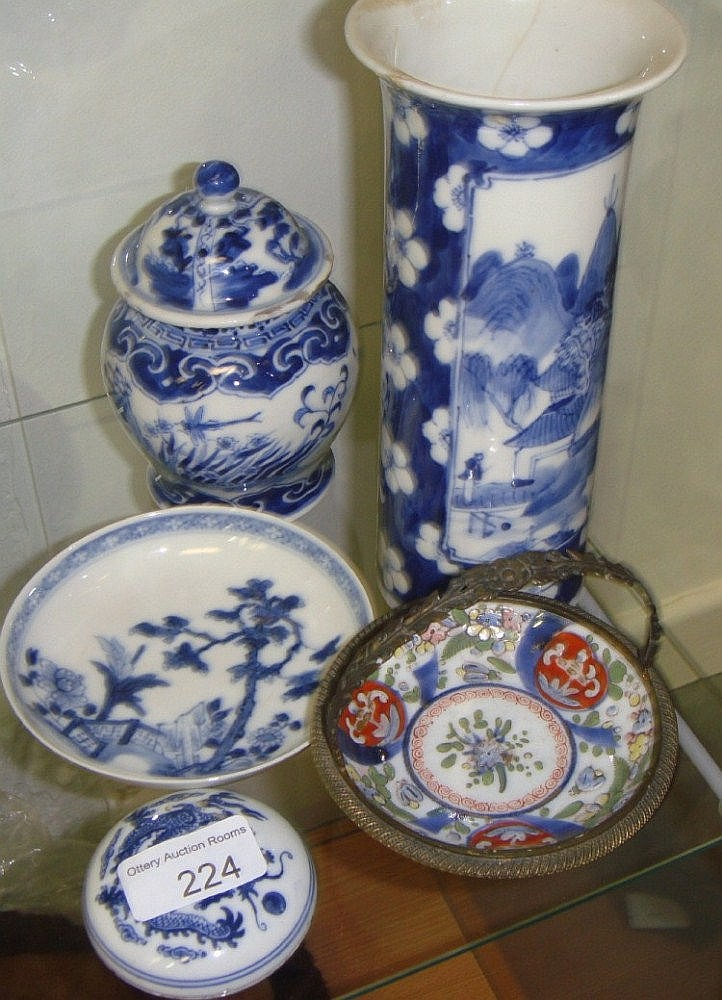 Assorted Chinese blue and white pottery including