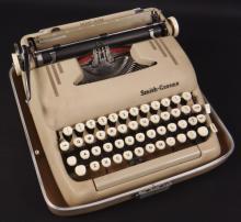 Vintage Smith-Corona Portable Typewriter w/ Manual