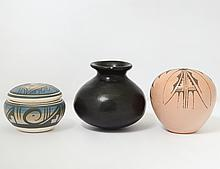 GROUP OF THREE NATIVE AMERICAN POTTERY ARTICLES