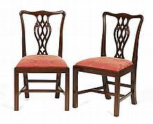 10 cadeiras c/espaldares vazados estofadas