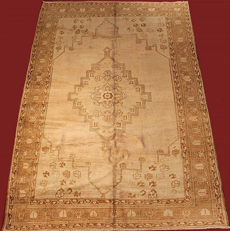 TURKISH OUSHAK WOOL RUG