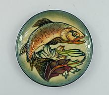 Moorcroft small plate decorated with Trout, diameter 16cm