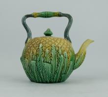 19th century English majolica tee kettle, height 18cm  (lid stuck)