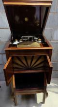Kesselphone Mahogony floor standing gramophone
