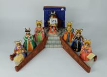 Royal Doulton Bunnykins set of figures Henry VIII DB365 and his 6 wives with display stand ( 2 of his wives have slight paint flaking) figures are boxed  (8)