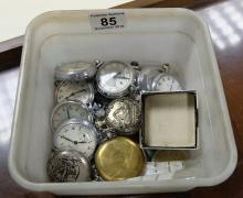 A collection of modern and vintage pocket watches(14)