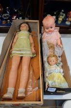 A collection of vintage dolls to include boxed famosa walking doll