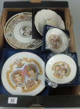 A collection of boxed Royal Worcester, Wedgwood and Royal Albert Commemorative plates (2 trays)