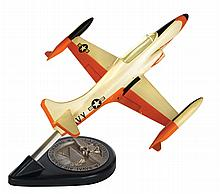 [Aviation]. Lockheed T2V-1 Naval Air Training Command vintage prime contractor desk display model.
