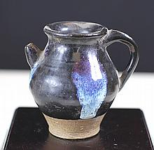 BLACK GLAZED POCELAIN POT