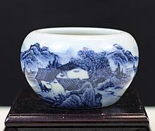 BLUE AND WHITE PORCELAIN WATER POT
