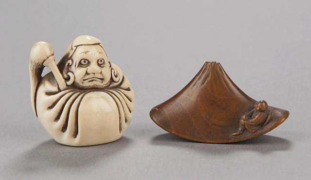A group of two netsuke.