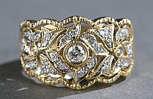 Diamond and 18kt yellow gold ladies band