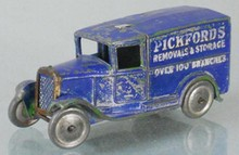 DINKY 28B PICKFORDS DELIVERY VAN