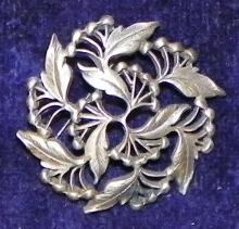 Pewter Leaf Pin