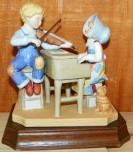 Holly Hobby Porcelain Figure The Recital, 1036/2500