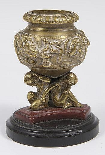 Late nineteenth century Grand Tour bronze vase