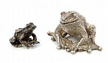 Contemporary silver model of a frog (London 1987),