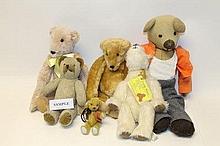 Teddy Bears selection of modern collectible bears,