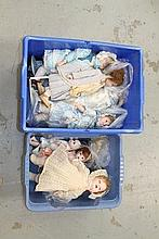 Dolls - selection of modern dolls - all dressed, s