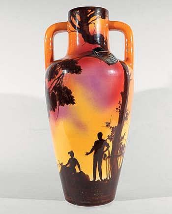 SAINT JEAN DU DESERT Grand vase à deux anses à décor de personnages dans un paysage provençal. Terre blanche, signature manuscrite...
