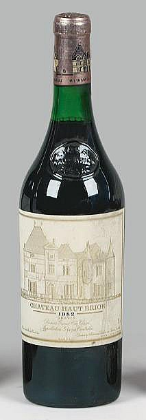 1 bouteille  CH. HAUT-BRION, 1° cru Pessac-Léognan  1982   (es)