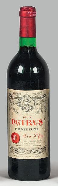 1 bouteille  PETRUS, Pomerol   1977   (elt)