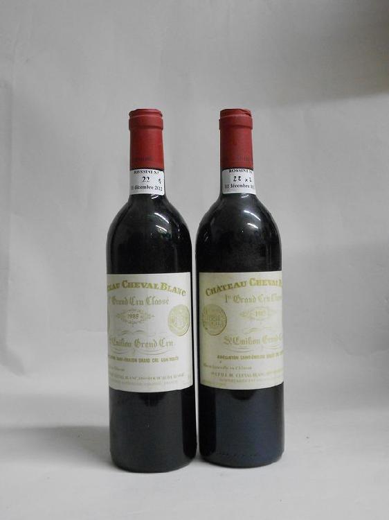 2 bouteilles  CH. CHEVAL-BLANC, 1° Grand Cru St-Emilion  1985  (fânées)