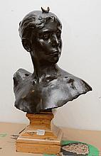 Alexandre FALGUIÈRES - Diane - buste en bronze à patine brune...