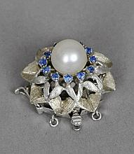 A 14 ct white gold, pearl and stone set clip Set